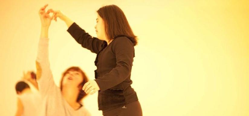 danza inclusiva y CI con esferobalones